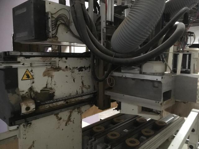 Centre d'usinage à commande numérique SCM type Tech 99 L - 3 axes