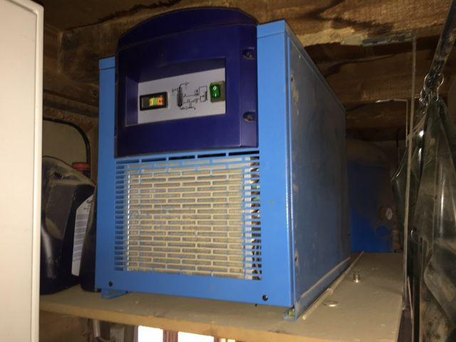 Compresseur à vis Advance - type Hydrovane 500 L - Vo7ace10-4035s500