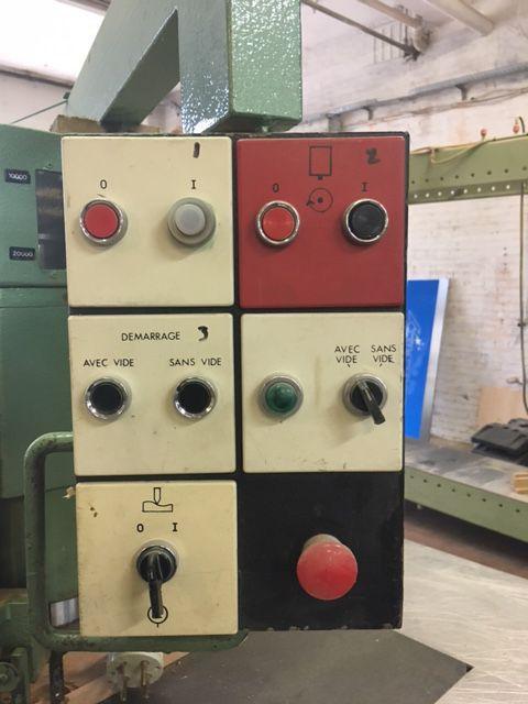 Défonceuse semi-automatique SCM - type R9