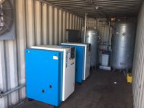 Groupe de 2 compresseurs KAESER type SK25 SUDAC installé dans un container complètement aménagé