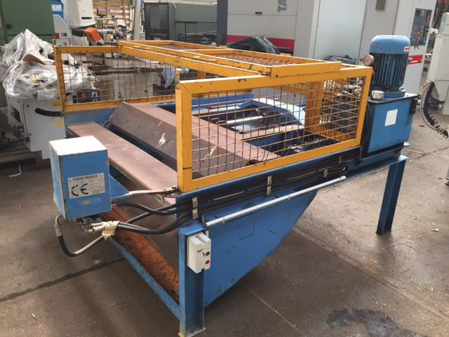 Machine à démonter les palettes VERPLAT
