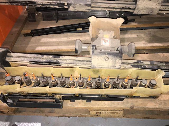 Perceuse Multibroche BLUM type PRO-CENTER 2000 ( machine complète )