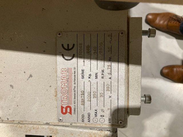 Scie radial STROMAB avec BLOC A MOISER RSP 750