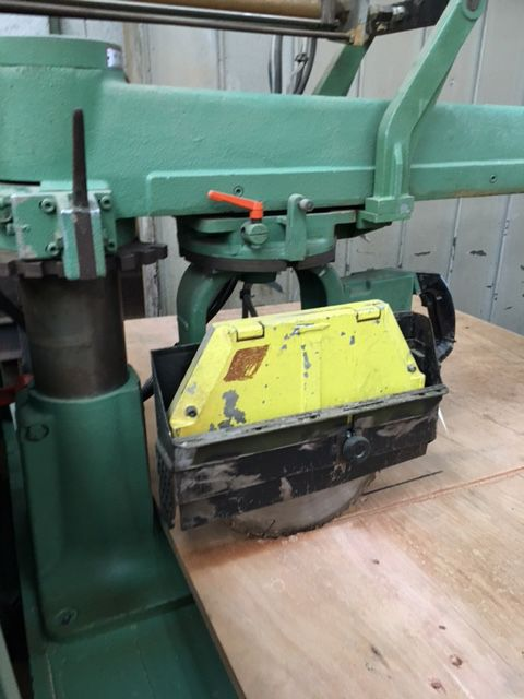 Scie radiale LYON FLEX type RD 1169